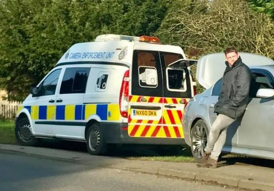 (Shock) BMW driver putting others before himself by blocking Police Speed Camera